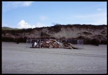 021 dnw_langeoog_bunkerrestegitter-01
